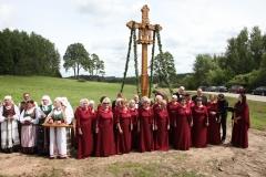 32. Šventėje dalyvauja folkloro ansamblis VARANGĖ ir tremtinių choras VĖTRUNGĖ