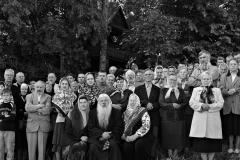 18. Sekminių (Troica) pamaldų dalyviai prie Bobriškio maldos namų. 2005 m